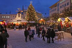 German Christmas markets in Berlin, capital of Germany. Berlin has more than 40 Christmas Markets throughout the city. Visit Berlin just before Christmas. Prague Christmas Market, Christmas In Germany, Christmas World, German Christmas Markets, Christmas Decor, Christmas Music, Christmas Treats, Christmas Stuff, Christmas Cards