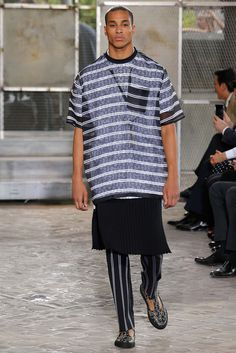 http://www.style.com/slideshows/fashion-shows/spring-2016-menswear/givenchy/collection/41