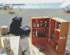 持ちにくかったので取っ手をつけました。 テーブルと木箱も塗りたいけど遊びが忙しくてやる暇がない。 #スパイスボックス#調味料ケース #キャンプ#海キャンプ#キャンプギア#自作#DIY#ロールトップテーブル#外遊び - Taketo - May 22, 2017 at