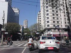 """""""...Que só quando cruza a Ipiranga e a Avenida São João""""... São Paulo fotografada por mim."""