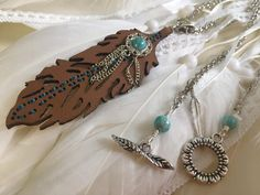 A Little Howlite Goes a Long Way With This Feather Necklace Pretty Necklaces, Feather Necklaces, Handmade Necklaces, Handcrafted Jewelry, True Gift, Lava Bracelet, Sparkly Jewelry, Necklace Lengths, Fashion Jewelry
