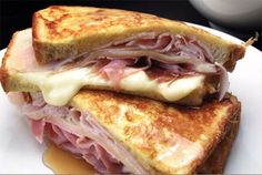 Breakfast, lunch or dinner. A Monte Cristo Sandwich is perfect anytime of the day! I Love Food, Good Food, Yummy Food, Pork Recipes, Cooking Recipes, Monte Cristo Sandwich, Food Porn, Soup And Sandwich, Grilled Sandwich