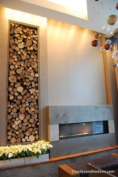 Hotel Felix in Chicago Logs as an accent wall/feature, filling an alcove. Design Hotel, House Design, Interior Architecture, Interior And Exterior, Interior Design, Accent Wall Bedroom, Accent Walls, Log Wall, Linear Fireplace