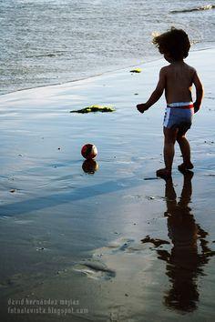 VINO EL VIENTO Y SE LA LLEVÓ  Realizamos BOOKS FOTOGRÁFICOS INFANTILES para tu hij@.  Solicita presupuesto sin compromiso.  fotoalavista@alavistacreatividad.com