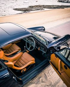 Mercedes Benz – One Stop Classic Car News & Tips Porsche 964, Porsche Carrera, Porsche Cars, Porsche Classic, Classic Cars, Singer Porsche, Vintage Porsche, Vintage Cars, Bicycles