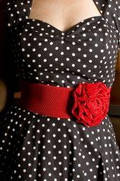 Prachtige riem met roos accent