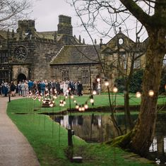 A gorgeous drinks reception in front of the house!