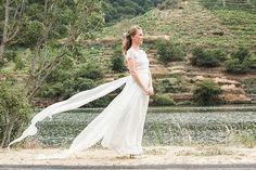 Feliz viernes y buen finde!!   #ribeirasacra #galicia #querote #amorciño    #bodasdiferentes #testimo #bodasnet #bodasbonitas #weddingphotographer #videodeboda #weddingday #josetroitnho #lifestyle #bodacoruña #bodavigo #bodasantiago #weddingdestination #lovely #weddingphotographer #bodasoriginales #boda #portrait #amordaterra #spain4wedding #vigo #coruña #novia #fotografodebodas #lanovia #vestidodenovia