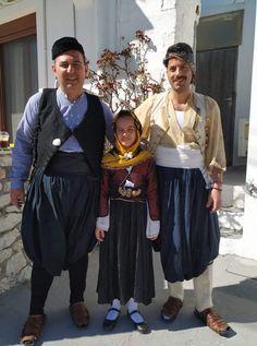 Φορεσιές Σκύρου Caucasian Race, Skiathos, Greeks, Folklore, Islands, Captain Hat, Costumes, People, Fashion