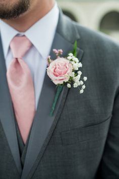 Blush and White Summer Virginia Wedding | Blush Carnation Boutonniere