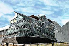 """"""" Fragmentos """".- Esta Fotografía construida esta inspirada en el deconstructivismo y mas específicamente en los edificios del Arquitecto Frank Gehry. Con ella quiero representar la creatividad que  existe dentro de esta institución y las cosas que podemos llegar a crear con las enseñanzas de grandes arquitectos y un poco de inspiración y empeño."""