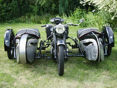 DUAL SIDECAR MOTORCYCLE | Double sidecar
