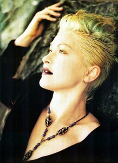 Photo of Cyndi Lauper for fans of Cyndi Lauper 1262129 Cindy Lauper 80s, Cyndi Lauper, 80s Punk Fashion, Blond, 80s Pop Music, Danger Girl, Female Singers, American Singers, Cut And Style