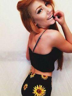 Trisha Grace. Cute summer outfit. Daisey Skirt. Indie. Long hair