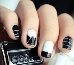 Blk n white nails
