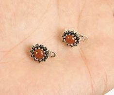 Solid 925 Sterling Silver small  rubi earrings