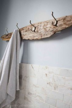 Excellent >> Rustic Cabin Bath Decor :-D