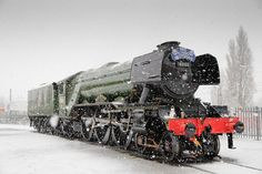 National Railway Museum We had an unexpected shower of snow this morning, which provided some fabulous photo opportunities of Flying Scotsman! Old Steam Train, Flying Scotsman, National Railway Museum, Train Art, Train Pictures, Steam Engine, Steam Locomotive, Train Tracks, Trains