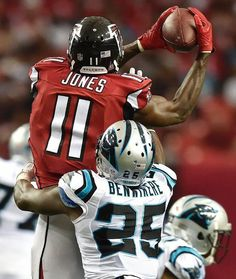 Panthers Falcons Football Atlanta Falcons wide receiver Julio Jones (11) makes the catch against Carolina Panthers cornerback Bene' Benwikere (25) during the second half of an NFL football game, Sunday, Oct. 2, 2016, in Atlanta. (AP Photo/Rainier Ehrhardt)