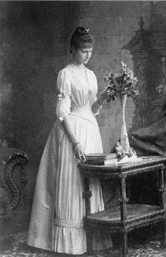 A seventeen-year-old Alexandra (then simply Alix) in 1889, five years before she became engaged to Nicholas.