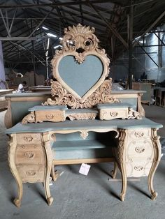 french furniture Modern Baroque Rococo Furniture and Interior Design Fabulous and Baroque Rococo Furniture, Painting Wooden Furniture, Funky Furniture, French Furniture, Rustic Furniture, Furniture Makeover, Vintage Furniture, Outdoor Furniture, Furniture Design
