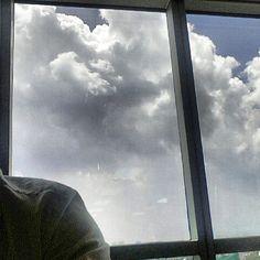 #オフィス からの#空 は狭い #narrow #sky from the #office #clouds#city#philippines#雲#フィリピン