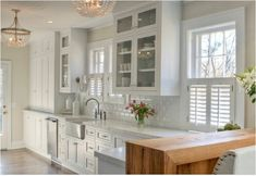 First-rate Kitchen cabinets sizes layout,Galley kitchen with island remodel ideas and Kitchen remodel diy. Cool Ideas, 31 Ideas, Rustic Kitchen, New Kitchen, Kitchen Ideas, Kitchen Decor, 1970s Kitchen, Colonial Kitchen, Ranch Kitchen