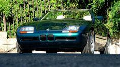 1991 BMW, Z1  L'extraordinaire roadster BMW Z1, concept car présenté en 1987 puis commercialisé en série limitée, est une voiture à part, elle ne ressemble à aucune autre. Une liberté de conception, inédite, laissée aux ingénieurs a abouti à un véritable jouet automobile, avec une maitrise technologique très en avance sur son temps. La conception du châssis est avant-gardiste, chaque ch ..  http://www.collectioncar.com/detailed.php?ad=60663&category_id=1