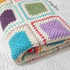 Çift kişilik pattaniyem kadraja sığmaz diye gatlayip çektim huzurlu mutlu haftasonları cümleten #crochetblanket #blanket #beybiblanket #deryabaykal #crochetsofinstagram #handmade #handcrafted #kirlent #orgu #crochetblanket #crochetsofinstagram #handmade #handcrafted #crochetblanket #blanket #battaniye #pinterest #häkeln #virka #crochet #hobbylobby #hobi #orgumodelleri #orgumuseviyorum #birlikteorelim #crochet