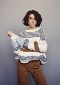 Graham oversized pullover in a garter stitch, fantasy stripes and Jacquard-weave borders. Exclusive in Sessùn patterning and a beautiful colour palette. Knit Fashion, Fashion Week, Winter Fashion, Fashion Looks, Casual Chic, Casual Wear, Fasion, Fashion Outfits, Look 2018