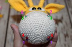 This free amigurumi pattern will help you to create a crochet toy with cute amigurumi details. Crochet Patterns Amigurumi, Crochet Hooks, Crochet Baby, Knitting Patterns, Easy Amigurumi Pattern, Cat Amigurumi, Amigurumi Minta, Crochet Animals, Stuffed Toys Patterns