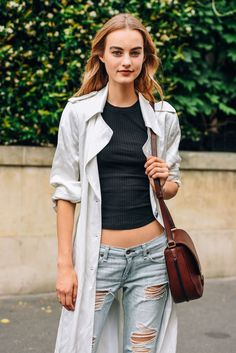 July 4, 2016  Tags Black, Brown, White, Paris, Blue, Jeans, Denim, Women, Model Off Duty, Models, Distressed, Coats, Bags, Ripped, T Shirts, Maartje Verhoef, Ribbed, 1 Person, FW16 Women's Couture