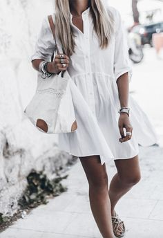 We've picked out our 15 favorite little white dresses to nail this fashion staple. We've also created a guide to help you choose and style your white dress. Summer Dress Outfits, Summer Dresses For Women, Casual Dresses, White Dress Casual, Fashion Moda, Look Fashion, Moda Rock, Latest Fashion Clothes, Fashion Outfits