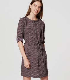 Polished shirtdress silhouette, meet abstract florals - this is the beautiful… Navy Blue Dress Shirt, Petite Sweaters, Fall Capsule Wardrobe, Long Sleeve Shirt Dress, Dress Long, Friend Outfits, Cool Outfits, Dresses For Work, Shirtdress