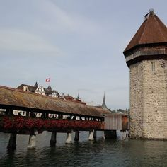 #스위스 #스위스루체른 #스위스여행 #유럽여행 #신혼여행 #스위스신혼여행  신혼여행 사진 올리다 추억 돋아서 올리는 작년 9월 #스위스혼자여행 루체른 카펠교! by a_young_yang at http://ift.tt/1lDIvV6