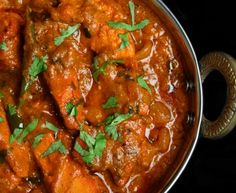 Easy Tikka Chicken (India) – Cooking Recipe Marmiton: A Recipe - Recipes Easy & Healthy Chicken Tikka Masala, Poulet Tikka Masala, Pollo Tikka, Indian Chicken, Curry Recipes, Meat Recipes, Indian Food Recipes, Asian Recipes, Chicken Recipes