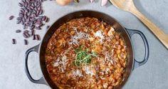 Bønner i tomatsaus med bacon – Berit Nordstrand Bacon, Menu, Cooking Recipes, Ethnic Recipes, Beirut, Comfort Foods, Menu Board Design, Food Recipes, Soul Food Meals
