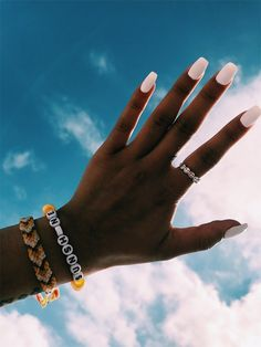 10 Summer Manicure Ideas To Try This Season! 10 Summer Manicure Ideas To Try This Season! Cute Acrylic Nails, Cute Nails, Pretty Nails, Acrylic Gel, Nails Ideias, Hair And Nails, My Nails, Nagellack Design, Nail Ring