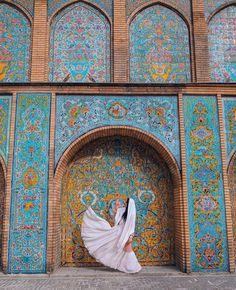 Golestan Palace in the capital city of Iran, Tehran Persian Architecture, Futuristic Architecture, Historical Architecture, Art And Architecture, Shiraz Iran, Islamic World, Islamic Art, Visit Iran, Iran Travel