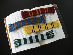 Project includes instructions for a wide stripe and narrow stripe version. There are also variations for yarn weight and colors, as detailed below: