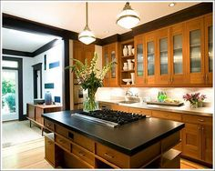 Wonderful Craftsman Kitchen Design With Hanging Lamps. This picture is one of many ideas on 20 craftsman kitchen design ideas. Mission Style Kitchens, Craftsman Style Kitchens, Galley Style Kitchen, Craftsman Interior, Home Kitchens, Craftsman Tile, Craftsman Homes, Modern Craftsman, Nice Kitchen