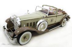 Packard Brewster 1930 Special Edition Louis Vuitton Tienda Louis Vuitton, Miniature Cars, Perfume, Antique Cars, Antiques, Etsy, Labrador Retriever Dog, Print Fabrics, Suitcases