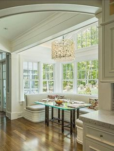 """Home Staging Luxury on """"Elegant eating nook (source FreshHome) Kitchen Banquette, Banquette Seating, Kitchen Benches, Dining Nook, Kitchen Nook, Kitchen Seating, Kitchen Island, Kitchen Dining, Corner Seating"""