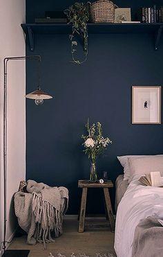 Dark Blue Bedroom Walls, Dark Blue Rooms, Dark Blue Walls, Blue Bedroom Decor, Small Room Bedroom, Bedroom Ideas, Modern Bedroom, Small Rooms, Design Bedroom