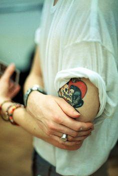 #skeleton #couple #love #kiss #heart #upperarm #colour #tattoo