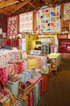 A mother-daughter team showcases colorful, contemporary tastes ... : quilt shops in ocala fl - Adamdwight.com