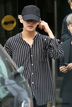 ImageFind images and videos about bts, v and taehyung on We Heart It - the app to get lost in what you love. Daegu, K Pop, V Bts Wallpaper, Babe, Kim Taehyung, Bts Jungkook, Cute Baby Clothes, Bts Boys, Taekook
