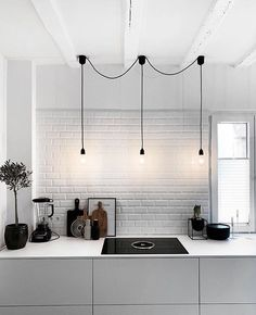 Romantic Home Decor Discover More Baffling Black Scandinavian Lighting Ideas 15 Magnificent Black Scandinavian Lighting Ideas Minimal design might have come and gone, however theres one iteration from. Home Interior, Kitchen Interior, Kitchen Decor, Interior Decorating, Interior Design, Kitchen Ideas, Pole Barn House Plans, Pole Barn Homes, Küchen Design