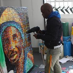 South African painter, Mbongeni Buthelezi at work in his studio. Mbongeni recycles used plastic waste as paints for his pieces. Fused Plastic, Plastic Waste, Contemporary African Art, Personal Investigation, South African Artists, Africa Art, Ivory Coast, Sierra Leone, Congo