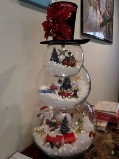 Fishbowl snowman -- I could do this with some of my Rudolph the Red Nose Reindeer figurines